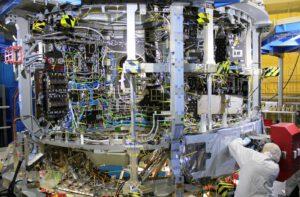 Výroba evropského servisního modulu