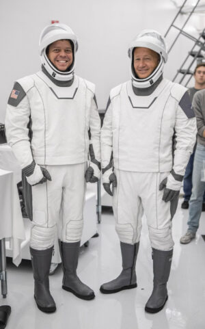 Posádka mise DM-2 - vlevo Robert Behnken a vpravo Douglas Hurley.