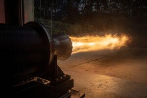 Zkouška motoru Comet