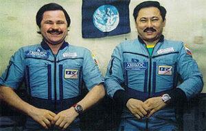 Musabajev a Budarin na palubě Miru