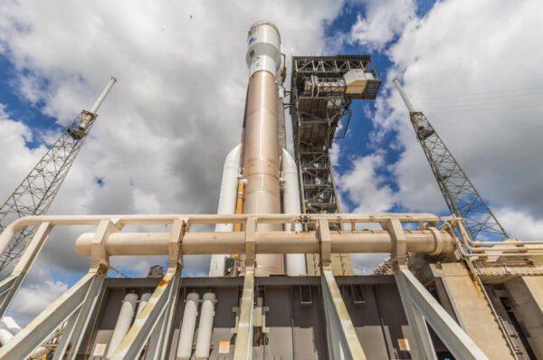 Atlas V pro Perseverance na cestě k rampě