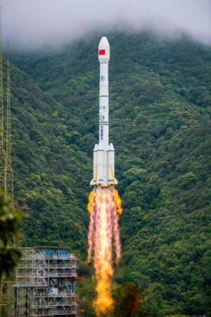 Dlouhý pochod-3B/G2 vynáší poslední družici Beidou.