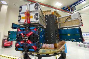 Cubesaty byly na dispenser usazeny už v Brně a celá sestava se pak vydala do Jižní Ameriky.