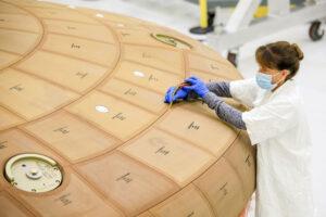 Měření spár štítu pro Artemis II