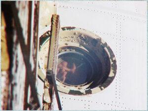 Sergej Zaljotin mává z okénka Miru