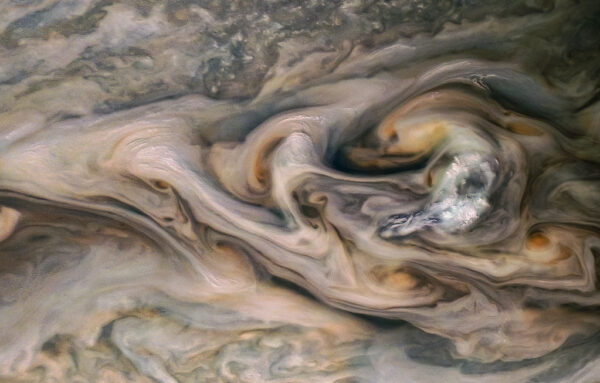 Detail atmosféry Jupiteru z 20. blízkého průletu Juno