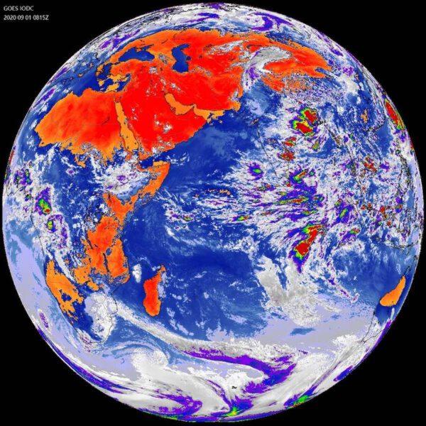 Snímek z družice EWS-G1 (dříve GOES-13) pořízený 1. září 2020 nad Indickým oceánem.