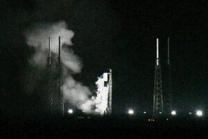 Statický zážeh Falconu 9 před misí GPSIII-SV04.