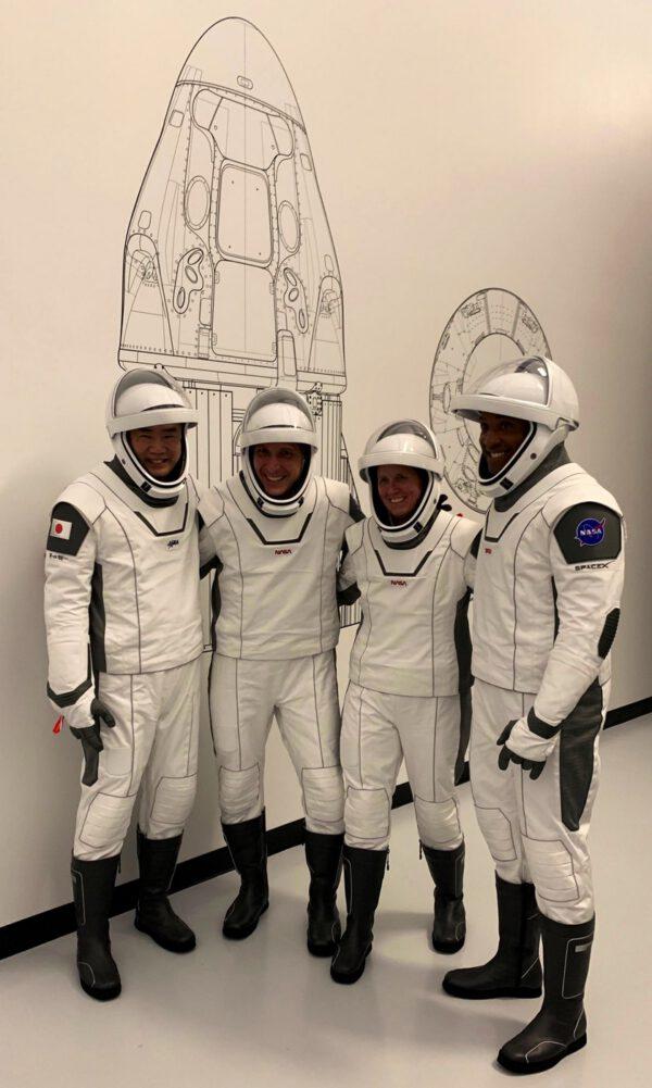 Posádka mise Crew-1