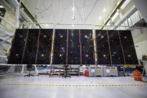 Test uvolňovacího mechanismu jednoho ze čtyř polí solárních panelů Orionu, 10. září 2020