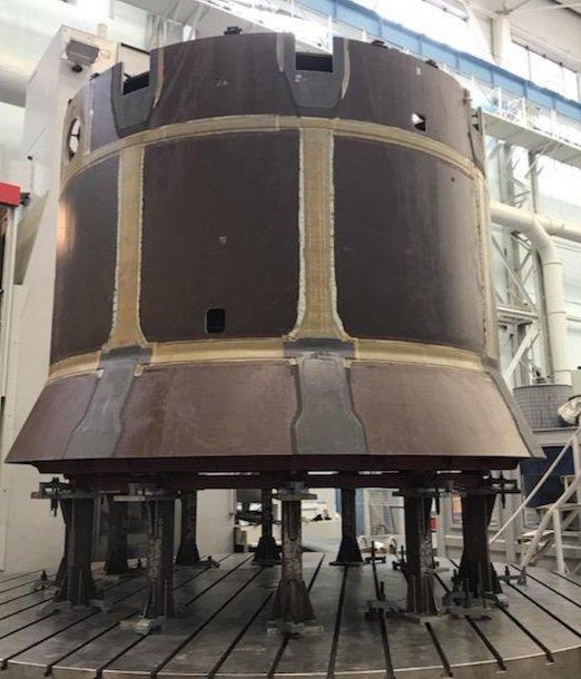 Výroba pozemního testovacího kusu lodi Orel