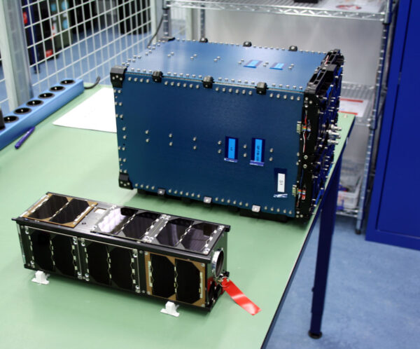 VZLUSat-2 připravený na integraci do vypouštěcího kontejneru.