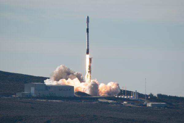 Start Falconu 9 s družicí Sentinel 6A
