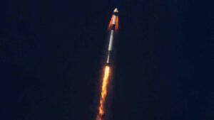Crew Dragon aktivuje únikové motory SuperDraco při tzv. In-flight abort testu.
