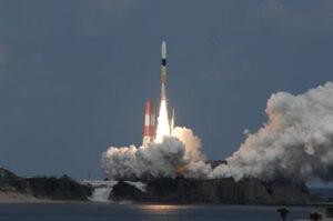 Start rakety H-IIA se sondou Hajabusa 2 (zdroj JAXA).