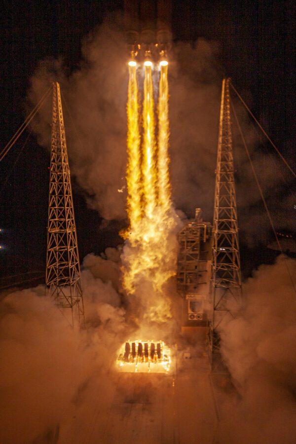 Start rakety Delta IV Heavy