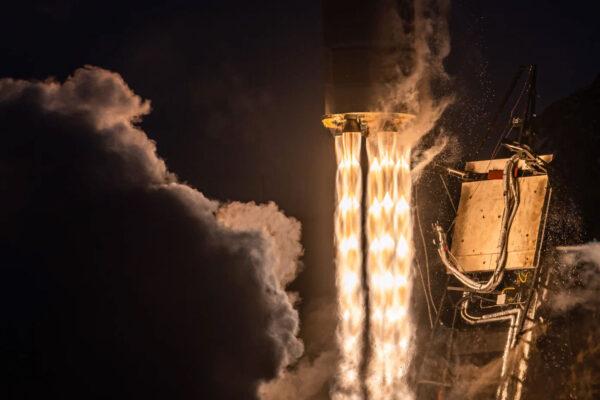 John Kraus zachytil při startu Rocket 3.2 tento působivý snímek.