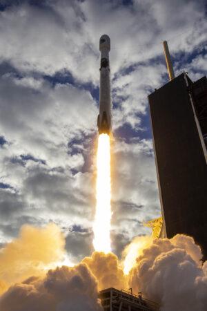 Start Falconu 9 na misi NROL-108.