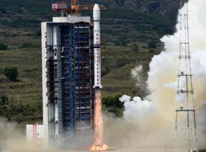 Ilustrační snímek startující rakety CZ-4B