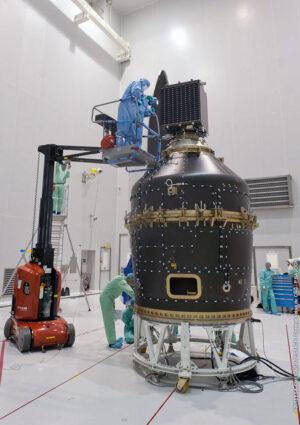 Adaptér VESPA - jeho horní část bude cílem pro ClearSpace-1.