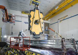 Testování dalekohledu Jamese Webba