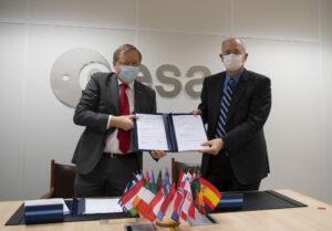 Podepsaná dohoda o provozu a modernizaci evropského kosmodromu ve Francouzské Guyaně.
