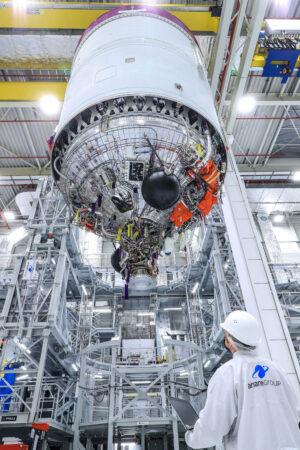 První dokončený exemplář horního stupně rakety Ariane 6 je neletový - poslouží ke statickým zážehům.