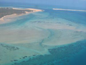 Údaje z ICESat-2 se uplatní i daleko od polárních oblastí - třeba při mapování mělkých pobřežních vod - v tomto případě se díváme na pobřeží Mozambiku.