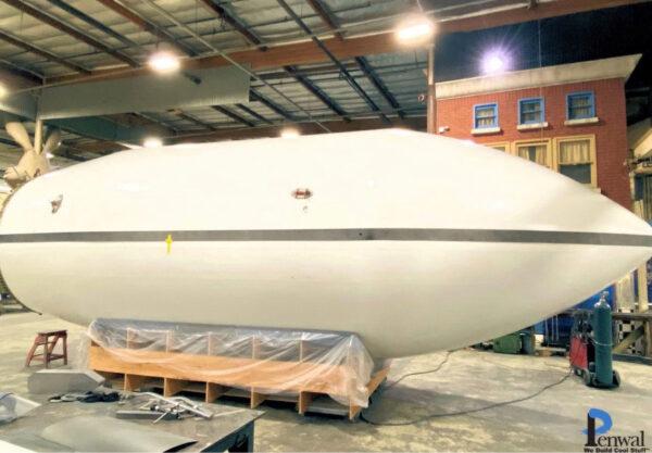 Aerodynamický kryt rakety Delta II určené k vystavení.