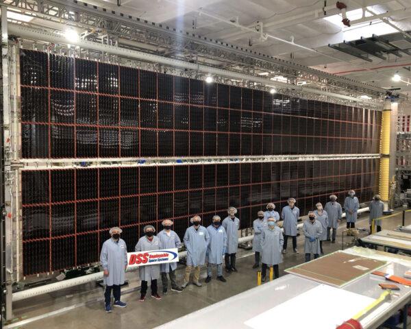 Nový fotovoltaický panel pro ISS.