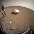 InSight sol 754 9. ledna 2021 pohled na přístroje SEIS a HP3. Zdroj: NASA/JPL-Caltech