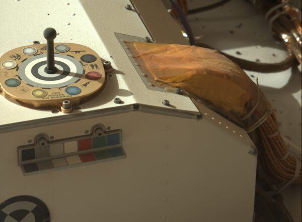 Detail z MastCam-Z. Zdroj: NASA/JPL-Caltech