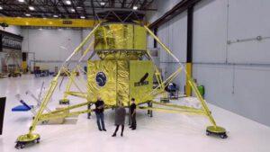 Všechny tři týmy navrhují pro období 2023 až počátek 2024 nepilotované demonstrační mise na povrch Měsíce. Na fotografii je maketa sestupového prvku Blue Moon.