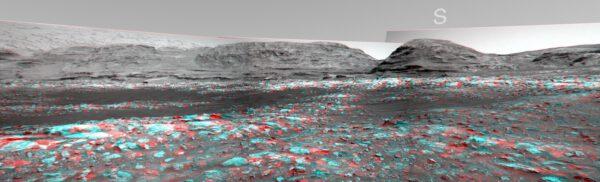 Curiosity, sol 3011, anaglyf, zpracoval Rob Haarsma, zdroj: www.unmannedspaceflight.com