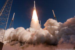 Start rakety Atlas V v konfiguraci 421