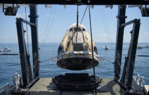 Crew Dragon Endeavour, vylovený po misi DM-2