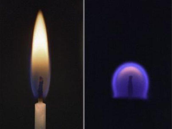 Srovnání plamene svíčky na Zemi a v prostředí mikrogravitace.