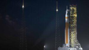 Aktualizovaná ilustrace rakety SLS Block 1B s bílým mezistupňovým prvkem