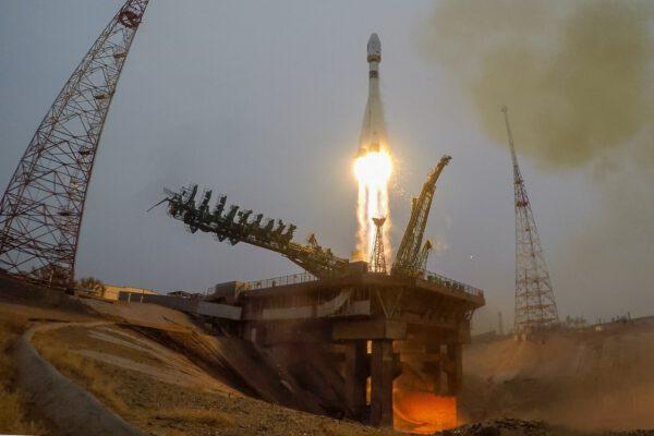Start Sojuzu, který vynášel i druhou slovenskou družici