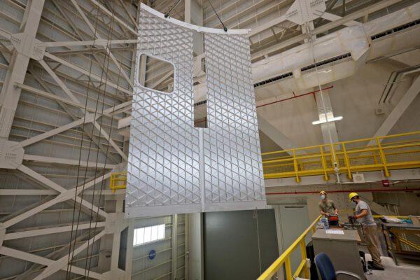 Další ověřovací díl svařený ve VWC ze dvou panelů s velkou vyříznutou částí svaru, únor 2021