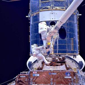 Oprava Hubbleova kosmického dalekohledu