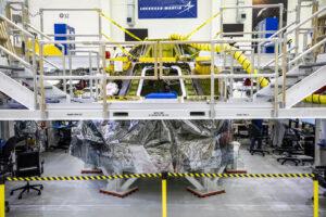 Kabina Orionu pro Artemis II v budově O&C, únor 2021