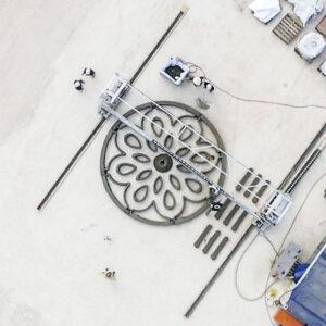 Zmenšený model přistávací a vzletové platformy vytištěný v rámci programu Lunar PAD (Lunar Plume Alleviation Device).