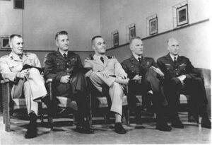 Druhá skupina pilotů MOL: (zleva) Overmyer, Hartsfield, Crippen, Bobko, Fullerton