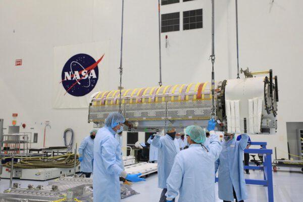 Nové solární panely pro ISS