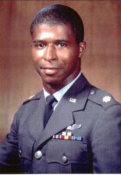 Oficiální portrét Roberta H. Lawrence Jr.