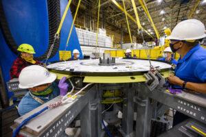 V únoru 2021 byl spojen strop kabiny Orionu pro Artemis 3 s dokovacím tunelem