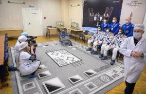Posádka mise Sojuz MS-18