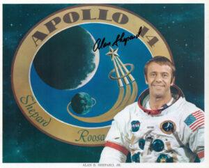 """""""Nejzklamanější člověk na světě"""" po Gagarinově letu, americký astronaut Alan Shepard. Kdyby nebyla do programu zkoušek přidaná mise MRDB, byl by prvním člověkem ve vesmíru. Kdyby nebylo kdyby..."""