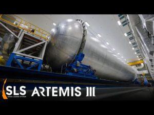 Opravovaná vodíková nádrž centrálního stupně SLS pro Artemis 3